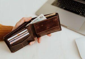 Koronakryzys a wynagrodzenie pracowników… co zrobić?